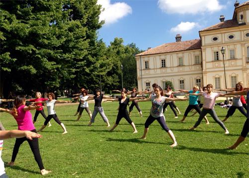 Yogando al parco della Tesoreria 2015